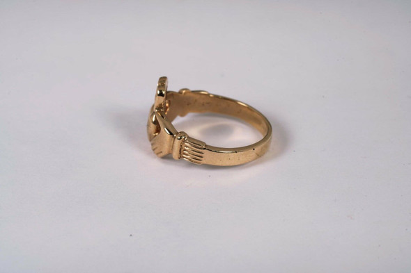 10K Yellow Gold Claddagh Ring, Size 11