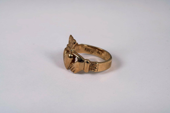 10K Yellow Gold Claddagh Ring, Size 8.5