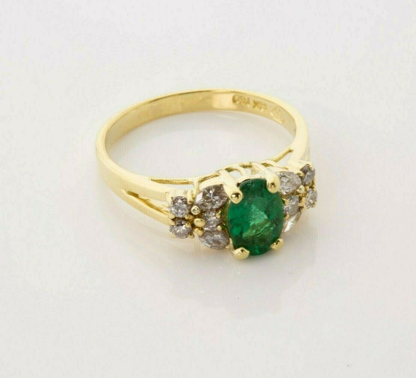 18K Yellow Gold Oval Emerald and Diamond Ring Size 7