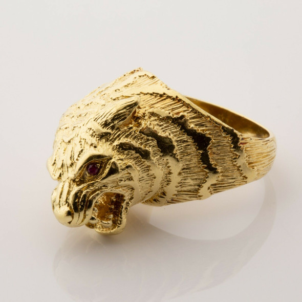 18K Yellow Gold Tiger Ring with Ruby Eyes Size 7.5