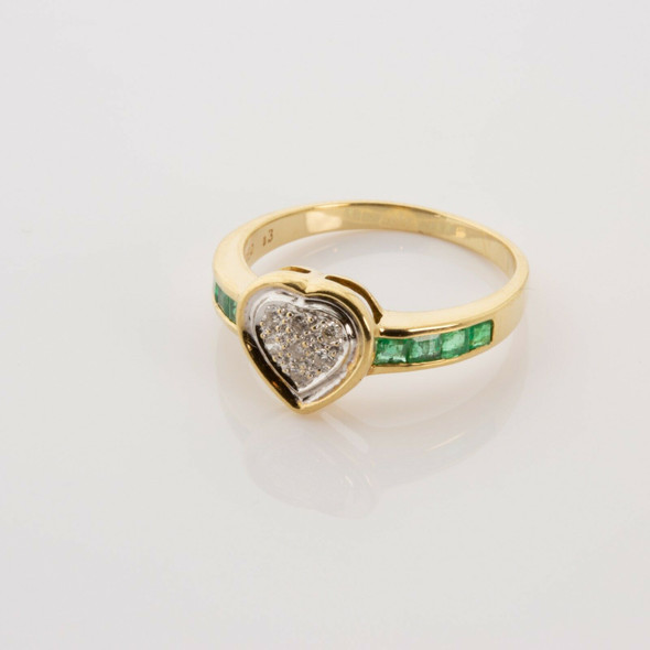 18K Yellow Gold Emerald and Diamond Heart Ring Size 6.5