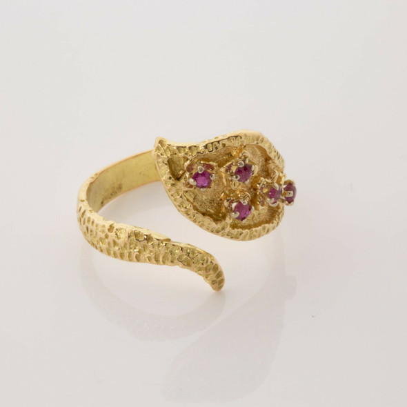 18K Yellow gold Ruby Snake Ring with 5 Small Rubies on Head Size 8 Circa 1970