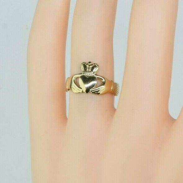 9K Yellow Gold Claddagh Ring Size 6 1/2
