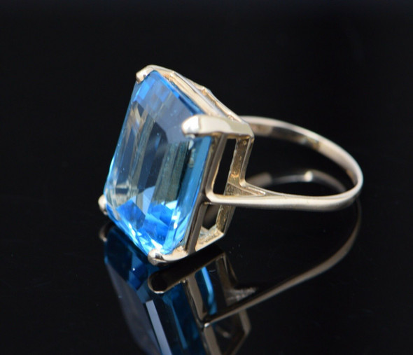 14K Yellow Gold Large Emerald Cut Blue Topaz Ring, Size 9.5