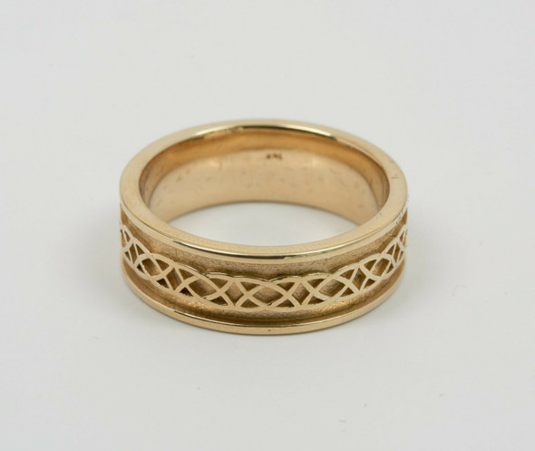 14K Yellow Gold Men's Solid Claddagh Band Circa 1970's, Size 11