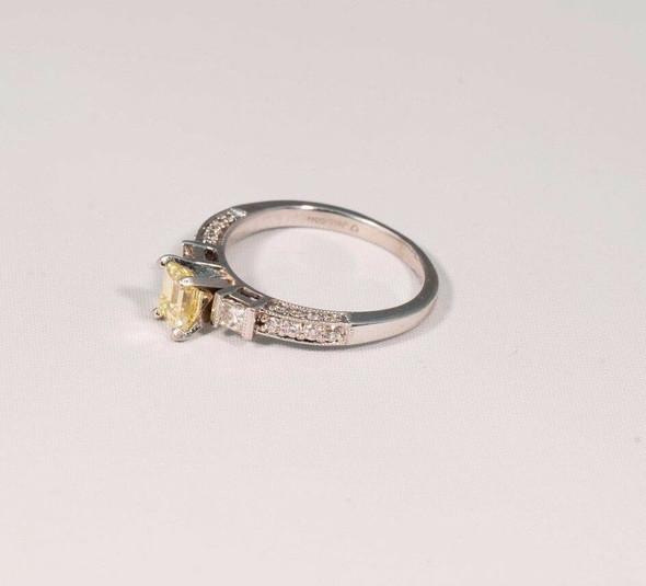 14K White Gold Yellow Emerald Cut Diamond w White Diamond Accents Ring, size 6