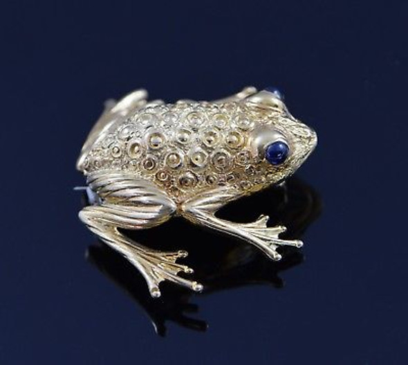 Vintage 18K Yellow Gold Frog Brooch/Pin with Sapphire Cabochon Eyes