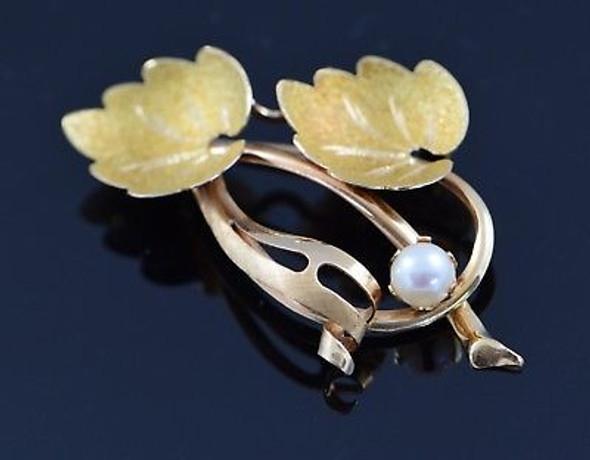 Vintage 18K Yellow Gold Pearl Leaf Brooch/Pin, Circa 1960