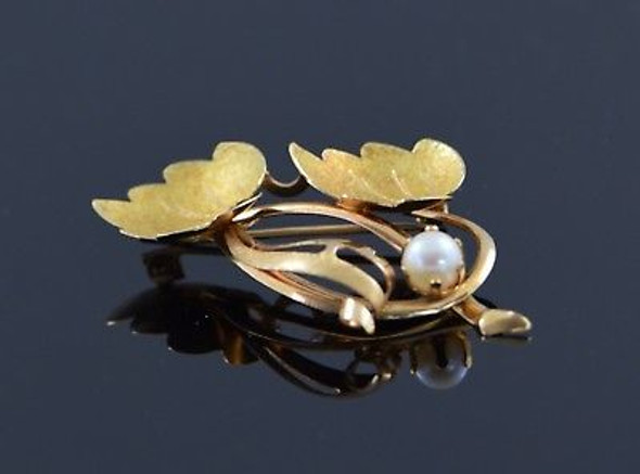 Vintage 18K Yellow Gold Pearl Leaf Brooch/Pin, Circa 1960