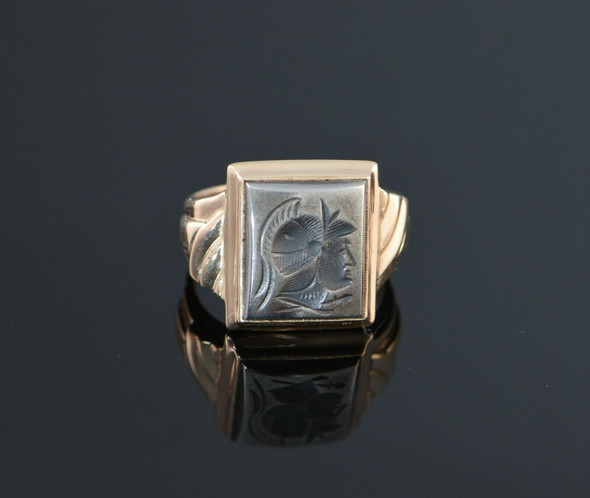 10K Yellow Gold Men's Hematite Roman Soldier Intaglio Ring Circa 1950, Size 7.5
