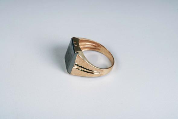 10k Yellow Gold Men's 1950's Intaglio Hematite Roman Soldier Ring, Size 9.25