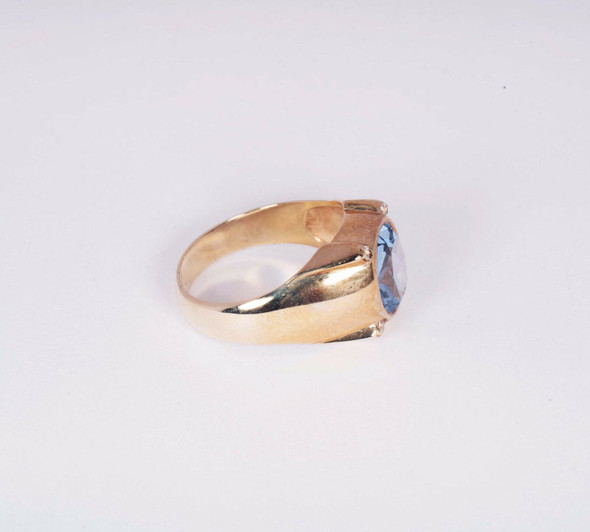 10K Yellow Gold Men's Ring with a Blue Stone, Size 12.5