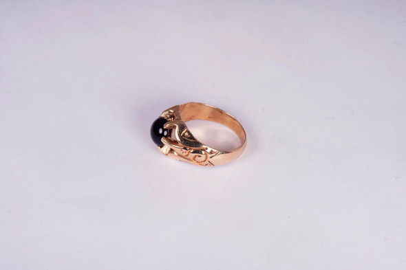10K Yellow Gold Men's Vintage Black Onyx Ring, Size 6.75