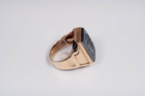 10K Yellow Gold Men's Intaglio Ring, Size 7.5
