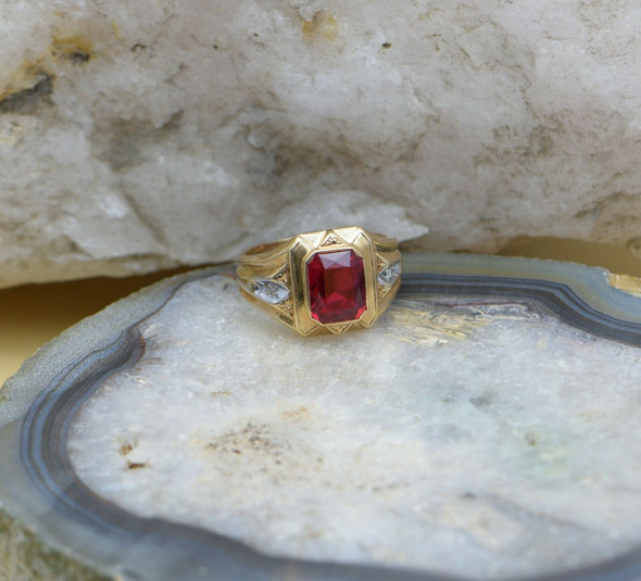 10K Yellow Gold Men's Deco Red Stone Ring Circa 1940's, Size 9.75