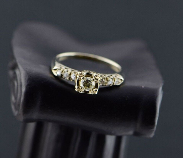 14K White Gold Diamond Engagement Ring Circa 1950, Size 6.75