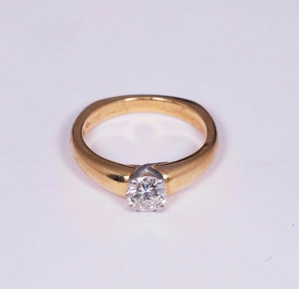 18K Yellow Gold Engagement Ring with app. 0.7ct. Center , size 7