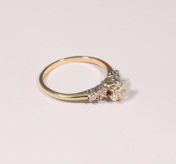 14K Yellow Gold Diamond Engagement w 1/2ct Center & Diamonds on Sides, size 7