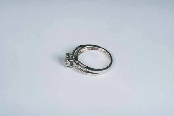 10K White Gold Diamond Engagement Ring app. 1/2ct. tw. , size 6.5