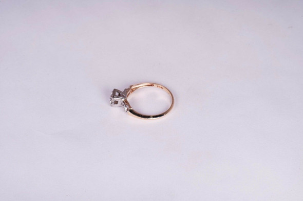 14K Yellow Gold Vintage Engagement Ring with 1/10 ct. Center, size 6