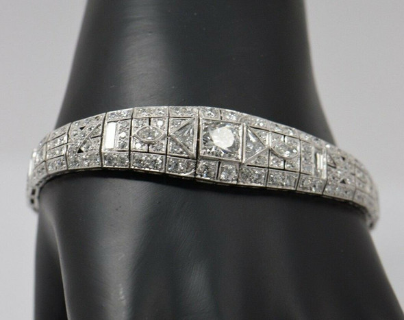 Superb Original Art Deco Diamond Bracelet 7mm. Round Center, Platinum
