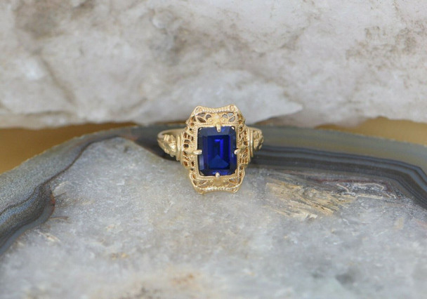 10K Yellow Gold Deco Blue Stone Filigree Ring, Size 4