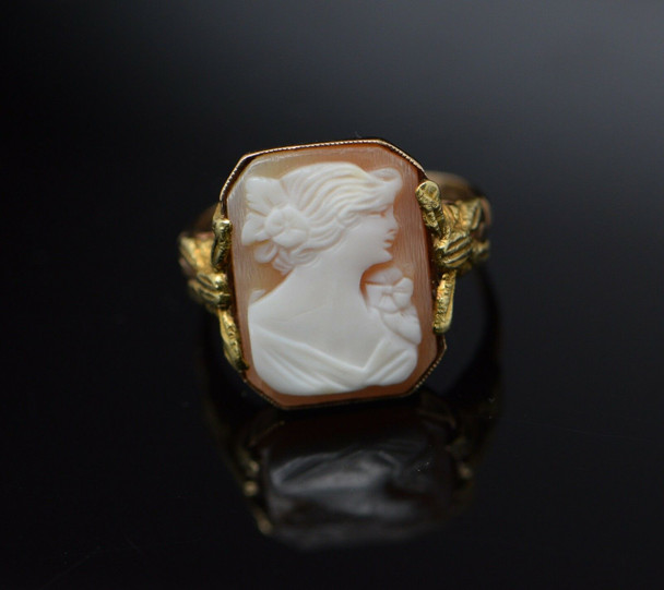 10K Yellow Gold Octagonal Shell Cameo Ring Circa 1930's, Size 6