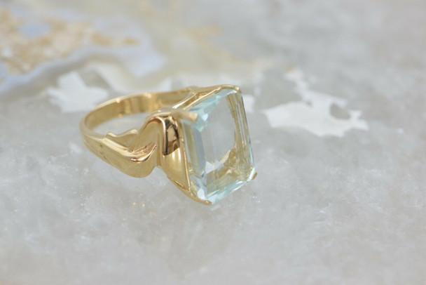 Large 14K Yellow Gold Aquamarine Ring Circa 1990 Size 7.75