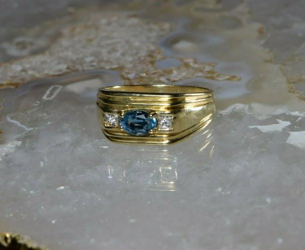 10K Yellow Gold Blue Topaz and Diamond Ring Size 11 Circa 1990