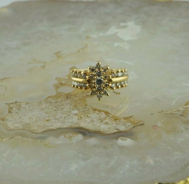 14K Yellow Gold 1ct tw Diamond Cluster Ring Size 6.25 Circa 1970