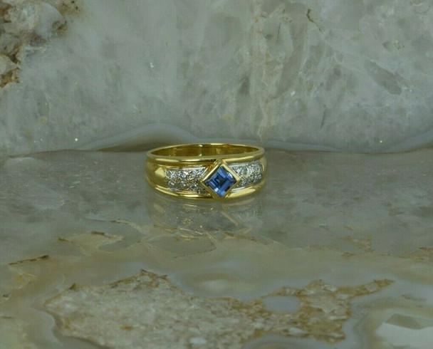 "18K Yellow Gold ""Le Vian"" Tanzanite and Diamond Ring Size 6 Circa 1990"
