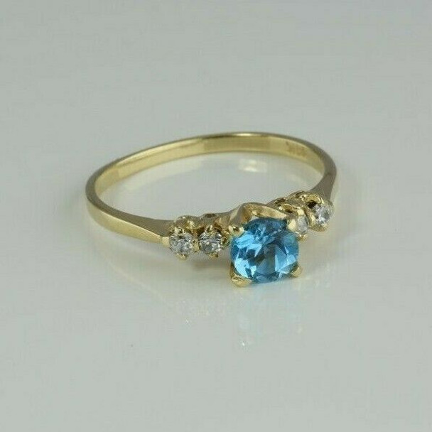 14K Yellow Gold Blue Topaz and Cubic Zirconia Ring Size 7.25 Circa 1980