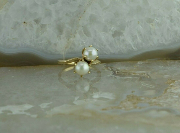 10K Modern 2 White Pearl Ring Bypass Shank Size 6 Circa 1970