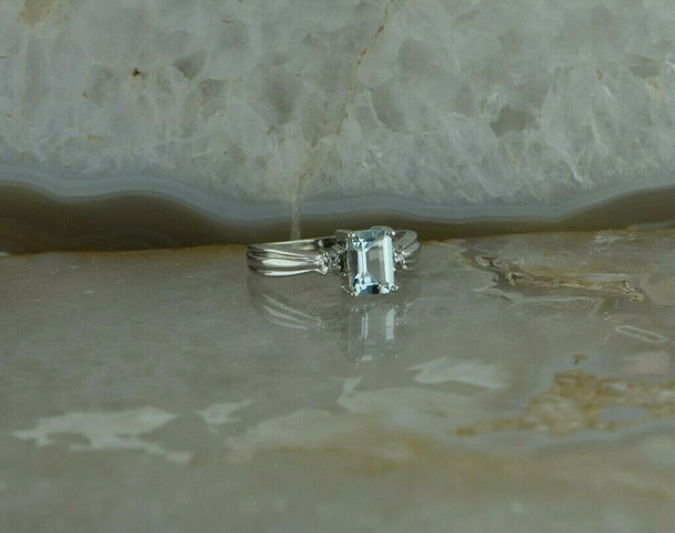 10K White Gold Aquamarine and Diamond Accent Ring Size 5 Circa 1990