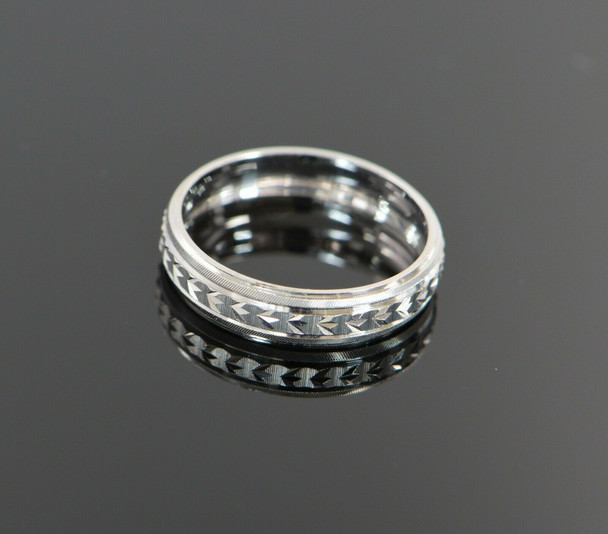 14K White Gold Engine Turned Bright Cut Modern Band, Size 10.25