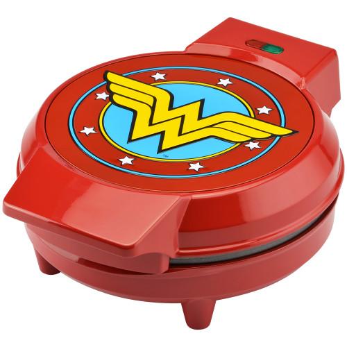 Wonder Woman waffle maker DCW-250CN Select Brands