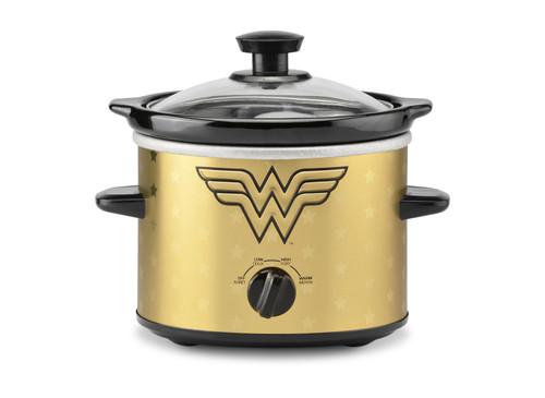 Wonder Woman 2 Quart Slow Cooker DCW-200CN Select Brands