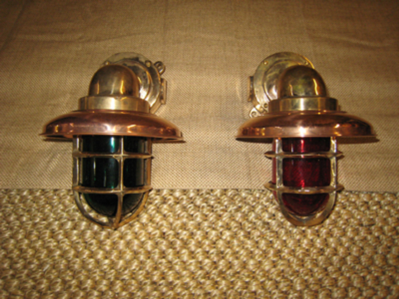 Pair of 90 degree passageway lights with red and green lens