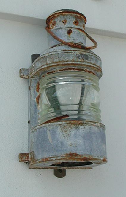 galvanized masthead close up pic