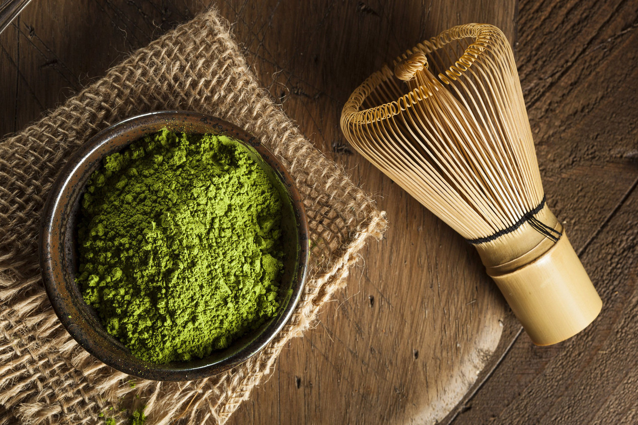 Bamboo Matcha Tea Whisk & Matcha Green Tea Powder