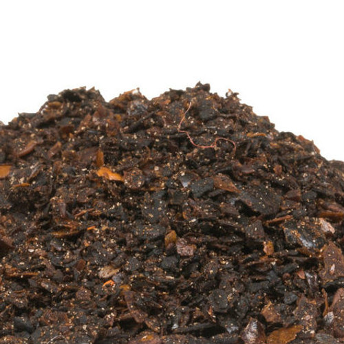 Urfa Biber pepper flakes conveniently bring the smoky, fruity flavor of this complex Turkish chile to any recipe. While mild at first, the heat profile builds as the notes of tobacco and chocolate dissipate. Pair with hearty vegetables, cheeses and braised meats. Use in desserts by pairing with chocolate, vanilla beans or gingerbread spices. 7500 on Scoville Heat Scale.
