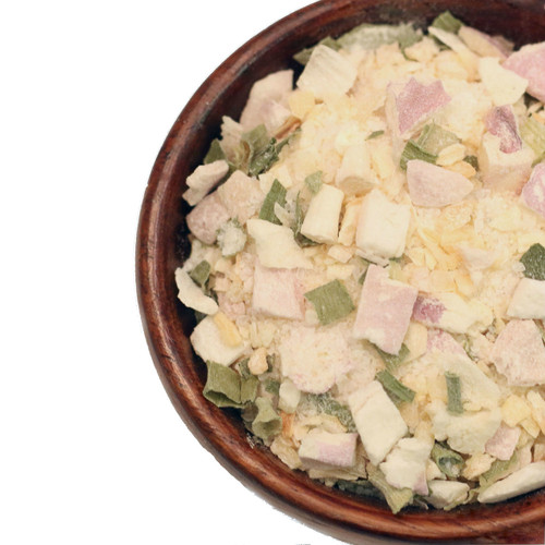 Our Toasted Onion Flakes are perfect for adding the pungent, savory flavor of onion to a recipe without the lengthy preparation or additional moisture content of using fresh. Whisk into mayonnaise and herbs for a savory dressing. Add to soups, stews and broths for onion flavor. Sprinkle onto roasted potatoes or other vegetables.