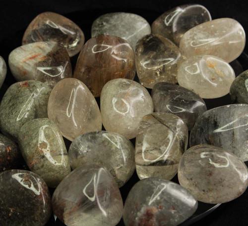 Chlorite in Quartz Tumbled Stone