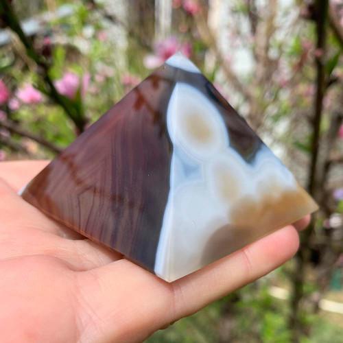 Agate Pyramid 13