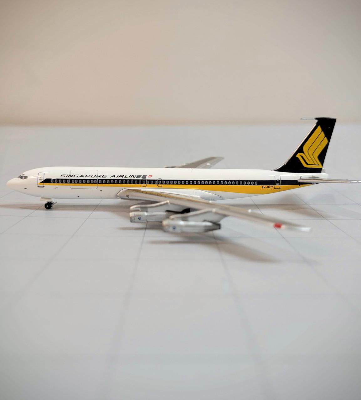 Aeroclassics 1:400 Singapore Airlines 707-320C