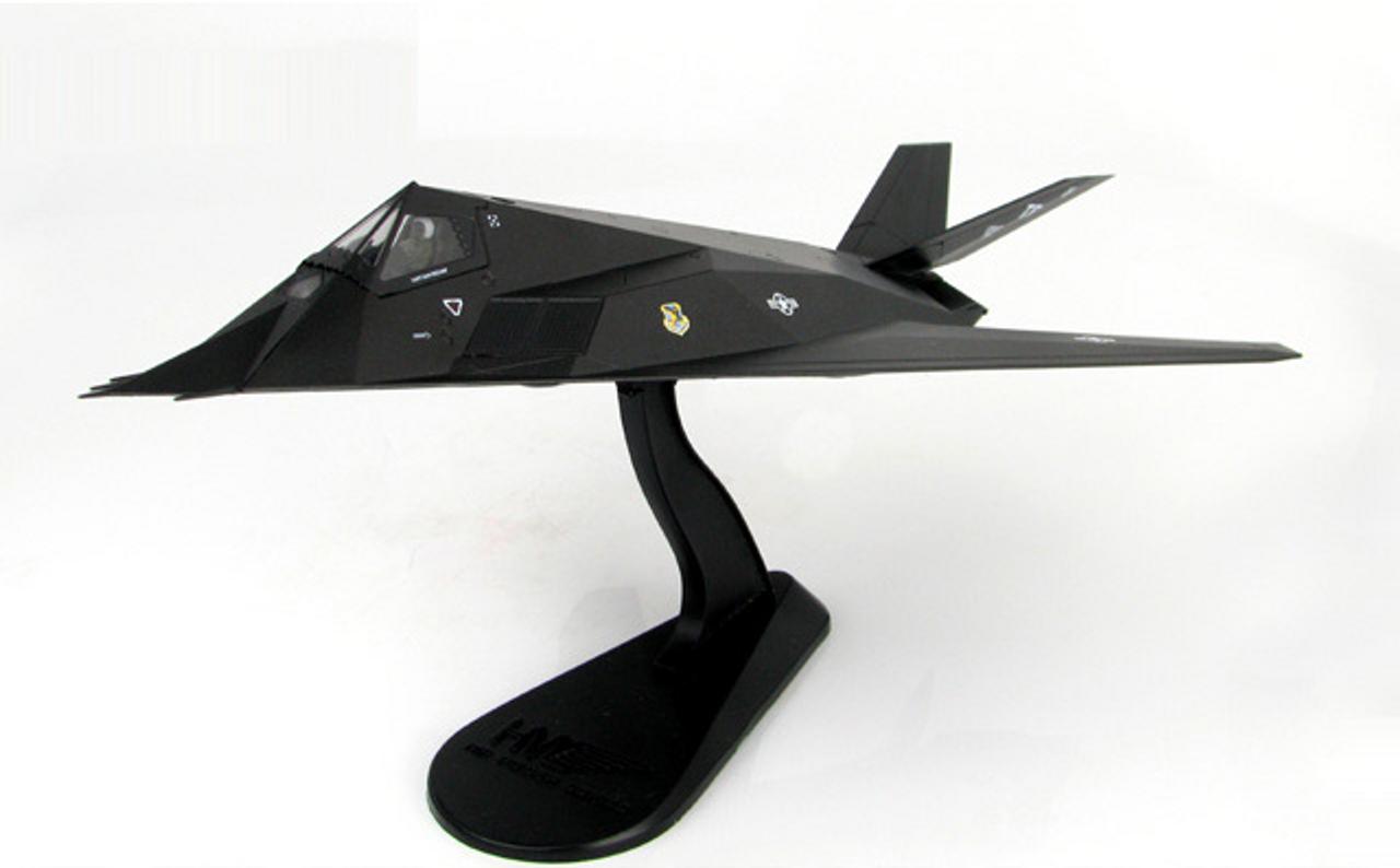 "Hobbymaster 1:72 F-117 Nighthawk 81-0796 ""Fatal Attraction,"" 415th TFW Desert Storm 1991"