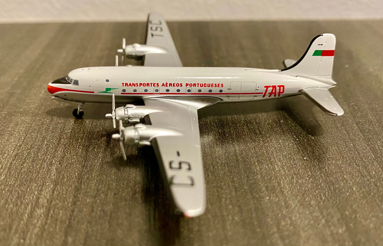 Aeroclassics 1:400 TAP DC-4