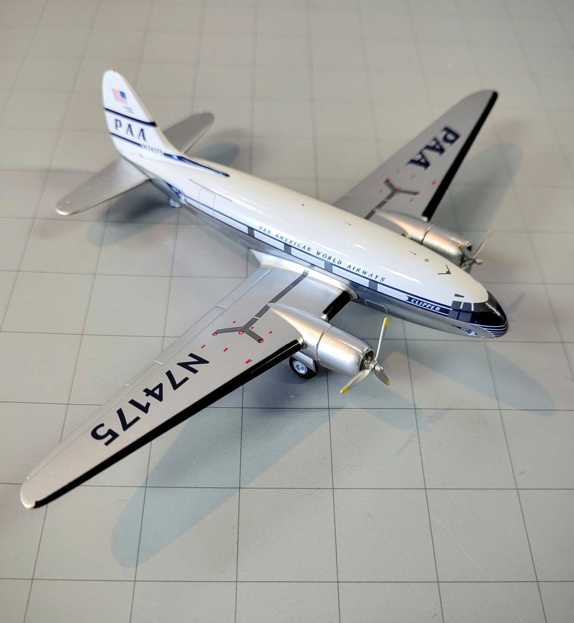 Aeroclassics 1:200 Pan American World Airways C-46