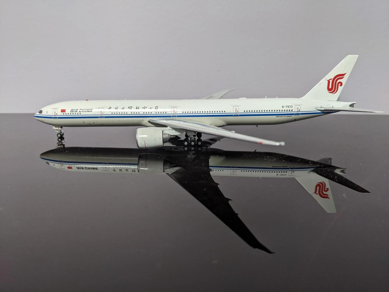 Aviation400 Air China 777-300