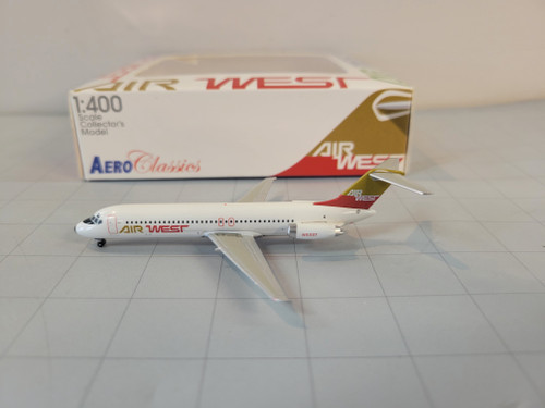Aeroclassics 1:400 Air West DC-9-31 (Red/Brown)